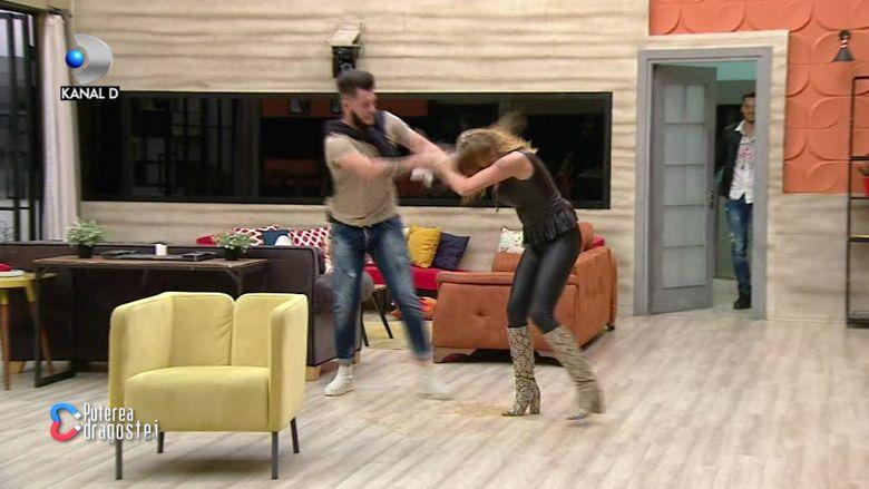 """Scene halucinante la """"Puterea dragostei""""! Ricardo și Andreea s-au stropit cu suc și... Ce și-au mai făcut e uluitor"""