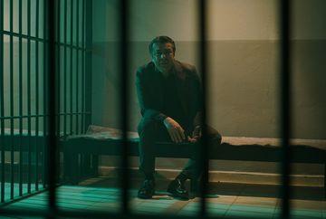 """Genco este """"doborat""""!  Afla ce plan secret are Hazan pentru a-si salva familia din infern, ASTAZI, intr-un nou episod din serialul """"Lacrimi la Marea Neagra"""", de la ora 20.00, la Kanal D!"""