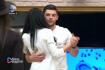 """Alex, un nou concurent, a intrat în casa """"Puterea dragostei""""! Șoc pentru Marius: a dansat cu Manuela și a recunoscut că o place!"""