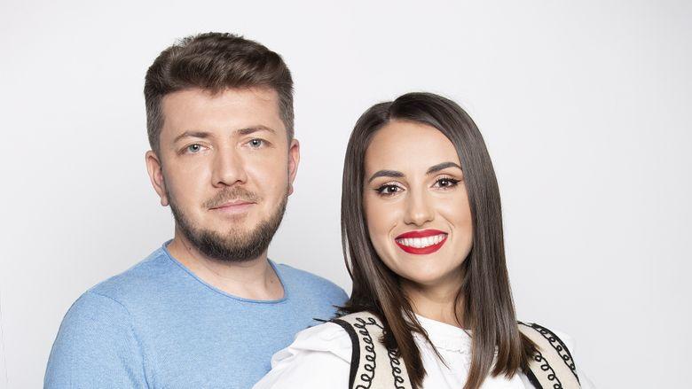 """Cel mai nou cuplu de prezentatori in showbiz! Vor prezenta """"ROventura"""", in fiecare sambata, de la ora 15:00, la Kanal D!"""