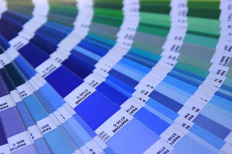 Culoarea anului 2020 - elegantă prin simplitate, denotă încredere şi profunzime