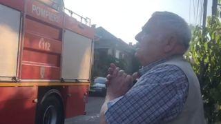 Un bătrân din Cluj s-a trezit cu pompierii în faţa casei, deşi nu ardea nimic. Când a aflat adevăratul motiv a început să plângă! VIDEO EMOȚIONANT