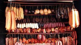 Traditii de Ignat. Care sunt obiceiurile romanilor la taierea porcului
