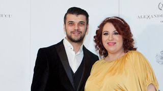 BREAKING NEWS IN SHOWBIZ!  Oana Roman a DIVORTAT! Care este motivul separarii