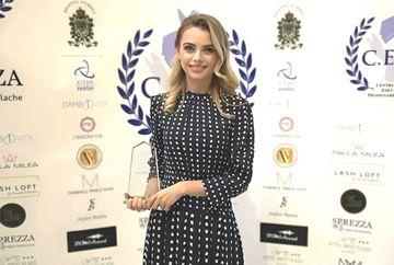 Cristina Sava, Director de Marketing si Comunicare Kanal D - Premiu de Excelenta in cadrul Galei Suflete. Oameni. Sperante