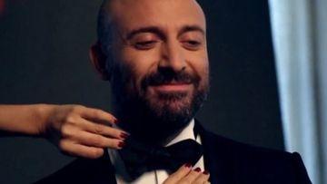 """Celebrul actor Halit Ergenc (Colonelul Cevdet din serialul """"Patria mea esti tu"""") asteapta cu nerabdare venirea pe lume a celui de-al doilea copil! Afla ce proiect important pregateste viitorul tatic in perioada urmatoare!"""