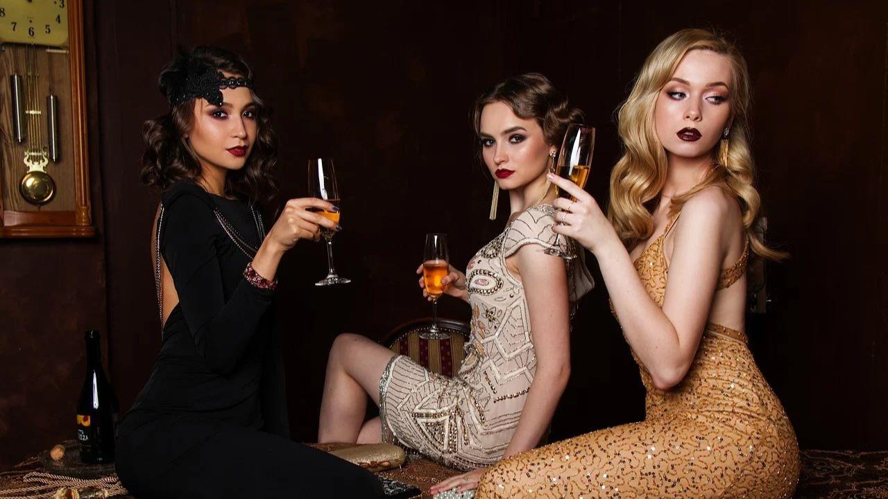5 modele de rochii de seară potrivite pentru petrecerea de Revelion. Unul poate fi al tău!