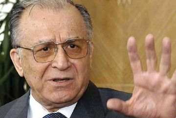 """BOMBA: Ion Iliescu a spus cine au fost """"teroristii"""" de la Revolutie"""