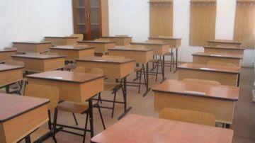 Veste pentru elevi si parinti: vacanta de iarna se prelungeste! Pana cand se sta acasa