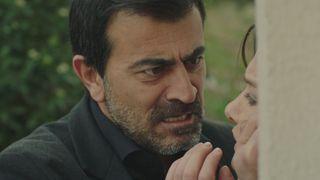 """Eyup nu renunta! Barbatul atenteaza la viata celor dragi! Afla la ce gest extrem va recurge barbatul, ASTAZI, intr-un nou episod dramatic, din serialul """"Gulperi"""", de la ora 20:00, la Kanal D!"""