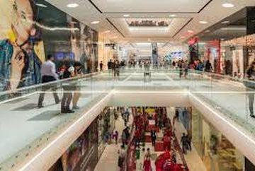Ce program au Mall-urile si supermarketurilor din Bucuresti de Anul Nou