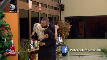 Marius și Pirui sunt OFICIAL un cuplu! S-au sărutat înainte de Revelion! Reacția celorlalți concurenți