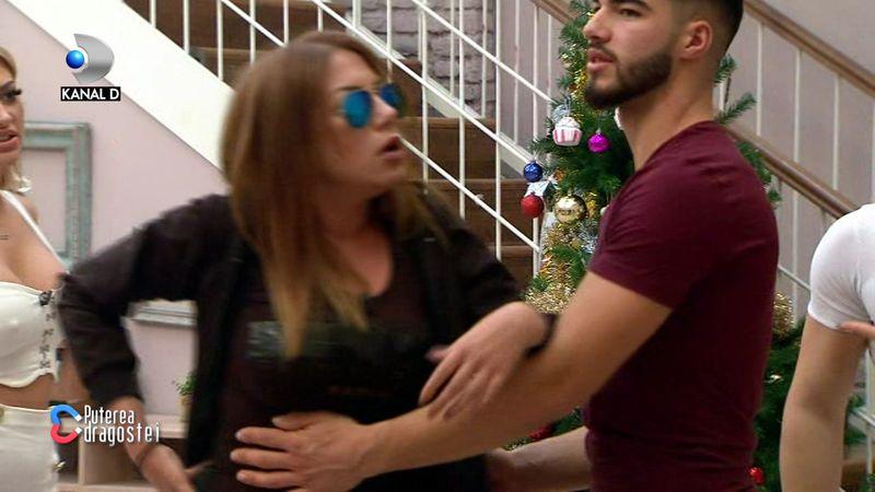 Andreea Oprică sare să o bată pe Mariana