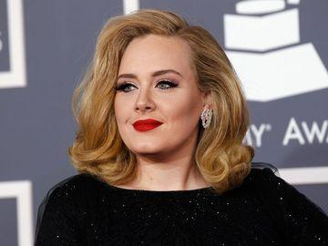 Cantareata Adele si-a socat fanii. Este de nerecunoscut dupa ce a slabit 20 de kilograme