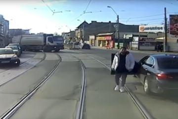 Accident tramvai BMW: cand ai voie sa mergi cu masina pe linia de tramvai?