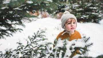Cum îl îmbraci pe bebe iarna, în funcție de activitate?