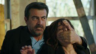 """Gulperi este rapita! Afla la ce gest extrem va recurge Eyup, in aceasta seara, intr-un nou episod din serialul """"Gulperi"""", de la ora 20:00, la Kanal D!"""