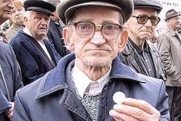 Scandalos! Romanii cu pensii peste 1.200 de lei sunt vizati! Vor sa le ia banii