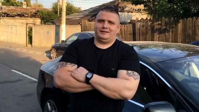 """Mircea Nebunu' îl amenință pe Jador: """"Vino și ia-ți iubita, ai lăsat-o gravidă""""! Cum arată tânăra"""