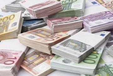 Un roman s-a imbogatit din greseala. S-a pomenit cu 27.000 de euro in cont si nimeni nu ii poate lua banii inapoi