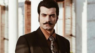 """Carismaticul Demir din serialul """"Ma numesc Zuleyha"""", relatie speciala cu familia sa! Iata cum arata parintii celebrului actor Murat Unalmis!"""