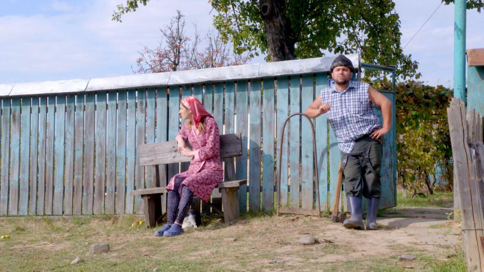 """Mitica a """"incurcat-o""""! Aurica a decis sa divorteze! Afla ce intorsatura neasteptata va lua situatia celor doi, ASTAZI, intr-un nou episod din serialul de comedie """"Moldovenii"""", dupa """"Survivor Romania"""", la Kanal D!"""