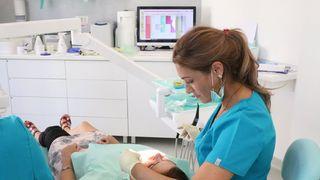 Cat costa un implant dentar pentru toata gura?