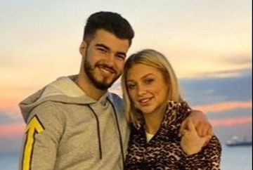 Denisa si Iancu surprinsi dormind impreuna? Iata cum l-a filmat Jador pe bunul lui prieten si pe iubita lui, pe o canapea in culisele emisiunii!