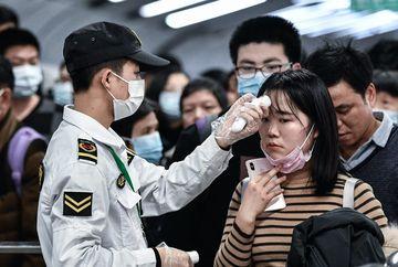 Este dezastru! Coronavirus a ucis  80 de oameni. Peste 2700 de persoane sunt infectate cu virusul mortal din China