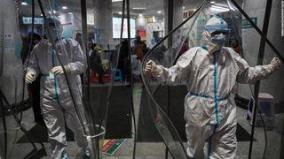 132 de oameni au murit in China infectati cu Coronavirus. Japonia isi evacueaza cetatenii