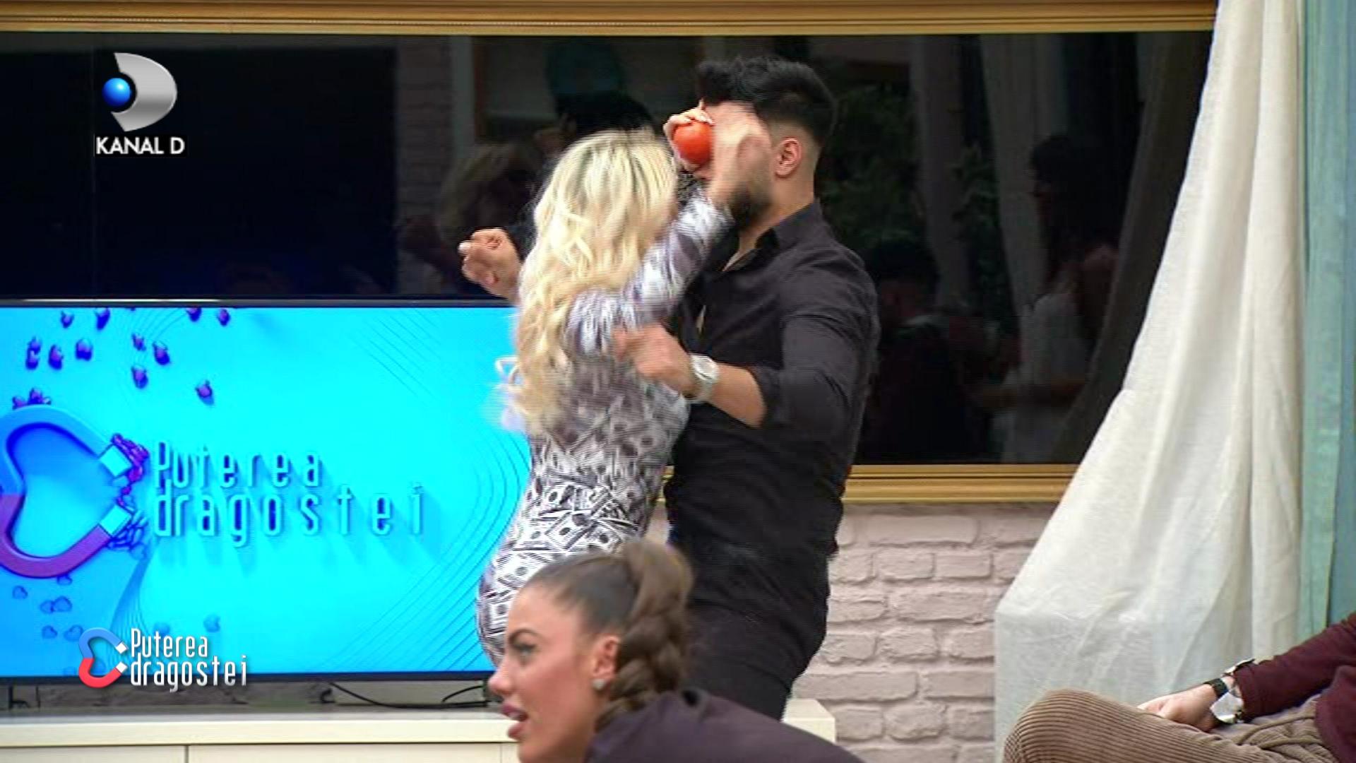 Imagini de infarct pentru Marius! Andreea Pirui a dansat fierbinte cu Jador!