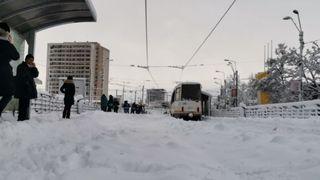 Prognoză specială pentru București. Ninsorile vor continua în Capitală! Ce ne așteaptă după ce traficul a fost deja paralizat