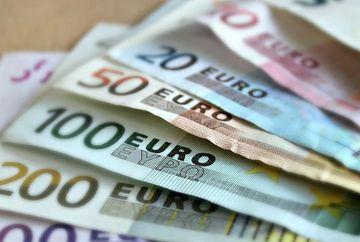 Curs valutar BNR 11 februarie 2020: la ce valoare au ajuns euro si dolarul