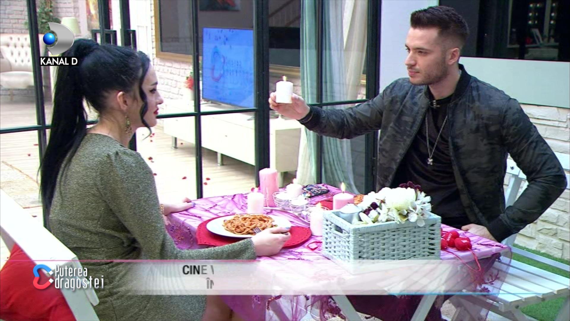 """Bianca si Livian, cina romantica de Vallentine's Day! Cine a pregatit surpriza: """"Ti-a placut ce ti-am luat""""?"""