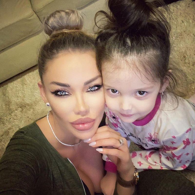 Bianca Dragusanu si Sofia Natalia
