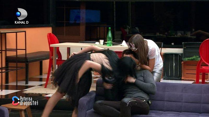 Bianca l-a sarutat pe Livian