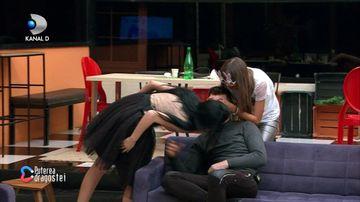 Bianca l-a sarutat pe Livian dupa despartire! Reactia acestuia a fost fabuloasa