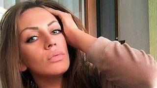 """Andreea Oprica, in ipostaze tandre cu unul dintre cei mai sexy concurenti de la """"Puterea dragostei""""! Nimeni nu se astepta la asa ceva! Iata cum au fost surprinsi in cabina de machiaj! Se naste o noua idila?"""