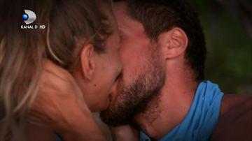 O poveste de dragoste ca in filme a luat nastere in jungla dominicana! Intre timp, echipa Razboinicilor se DEZBINA! Urmariti un episod plin de tensiune, ASTAZI, de la 20:00, pe Kanal D