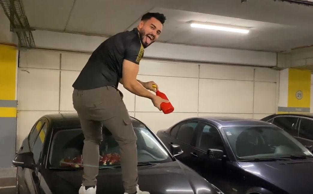 """Jador i-a distrus masina lui Bogdan Mocanu! Cum arata bolidul dupa ce artistul s-a """"ocupat"""" de el!"""