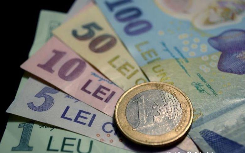 Curs valutar 24 februarie 2020. Euro peste 4.8 lei, aurul atinge un nou nivel record