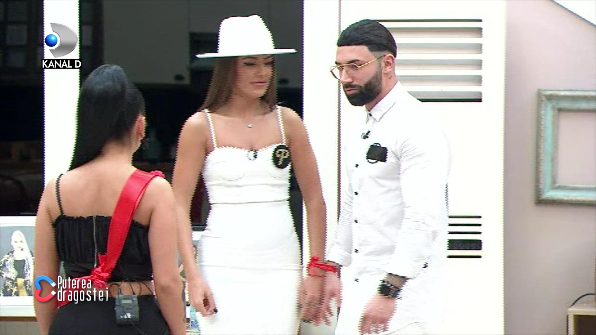 Roxana si Turcu s-au casatorit in emisiune! Imagini bomba de la ceremonie VIDEO