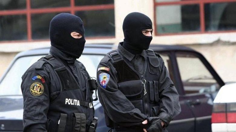 Percheziții în Gorj într-un dosar privind mașini de lux furate