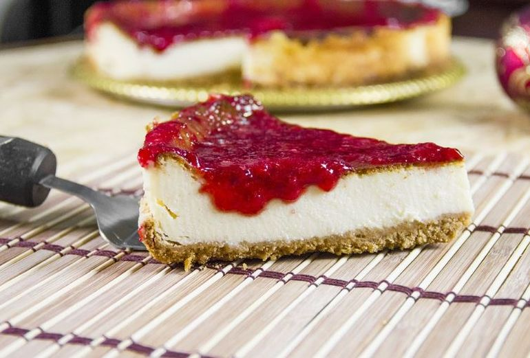 Cheesecake fără coacere. Prăjitura pentru leneși care se prepară în doar 6 minute