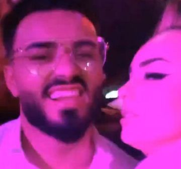 Jador, surprins in timp ce se saruta cu o fosta concurenta ''Puterea dragostei'', in club! Despre cine este vorba
