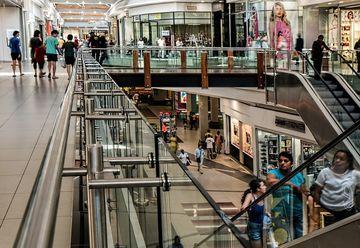 Mall-urile din București și din țară își scurtează programul. În ce interval vor funcționa?