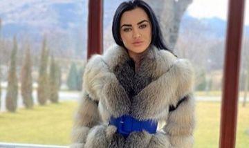 """Carmen de la Sălciua, sexy in cadă după despărțirea de Culiță Sterp. Fanii au reacționat dur: """"Expui doar vulgaritate"""""""