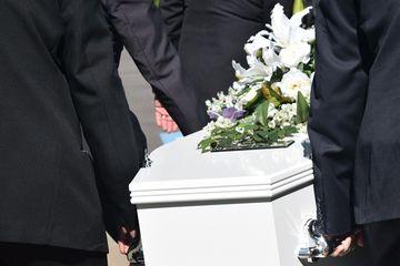 Se schimbă regulile înmormântărilor. Ce se întâmplă în cazul unei persoane decedate din cauza coronavirusului?