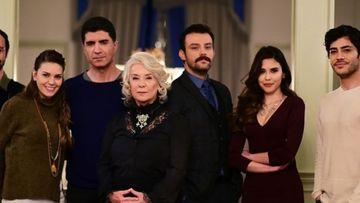 """Unul dintre cei mai indragiti actori din serialul """"Mireasa din Istanbul"""" va deveni tatic! Iata cat de fericit este celebrul actor care isi intregeste familia!"""