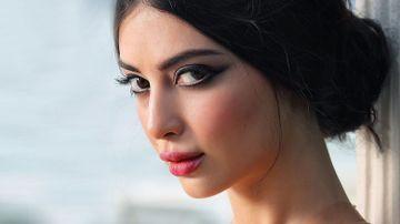 """Mujgan din serialul """"Ma numesc Zuleyha"""", asemanare izbitoare cu parintii sai! Celebra Melike İpek Yalova are o relatie speciala cu tatal ei, un important academician si fost ministru de stat!"""